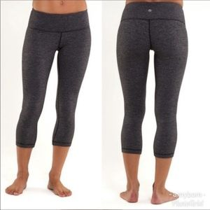 Lululemon grey crop legging-size 6